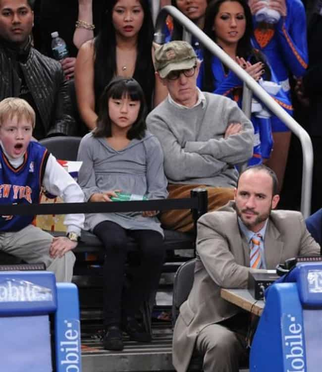 Woody Allen is listed (or ranked) 2 on the list Celebrity Knicks Fans