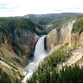 Yellowstone National Park is listed (or ranked) 1 on the list The Best Tourist Attractions in America