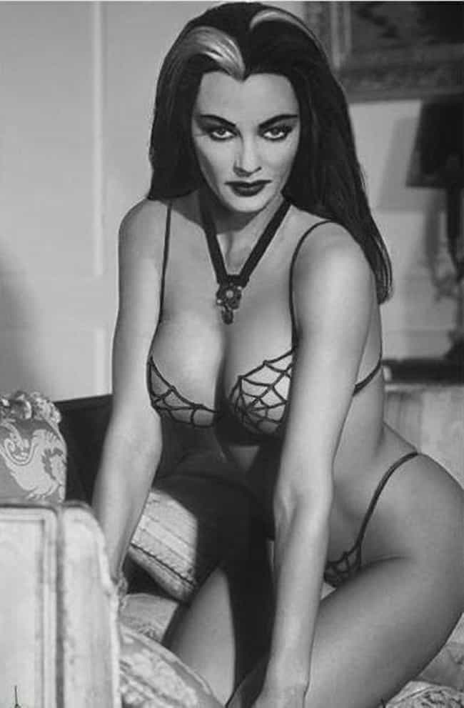 Yvonne De Carlo is listed (or ranked) 2 on the list The Hottest Pin-Up Girls from the 1960s
