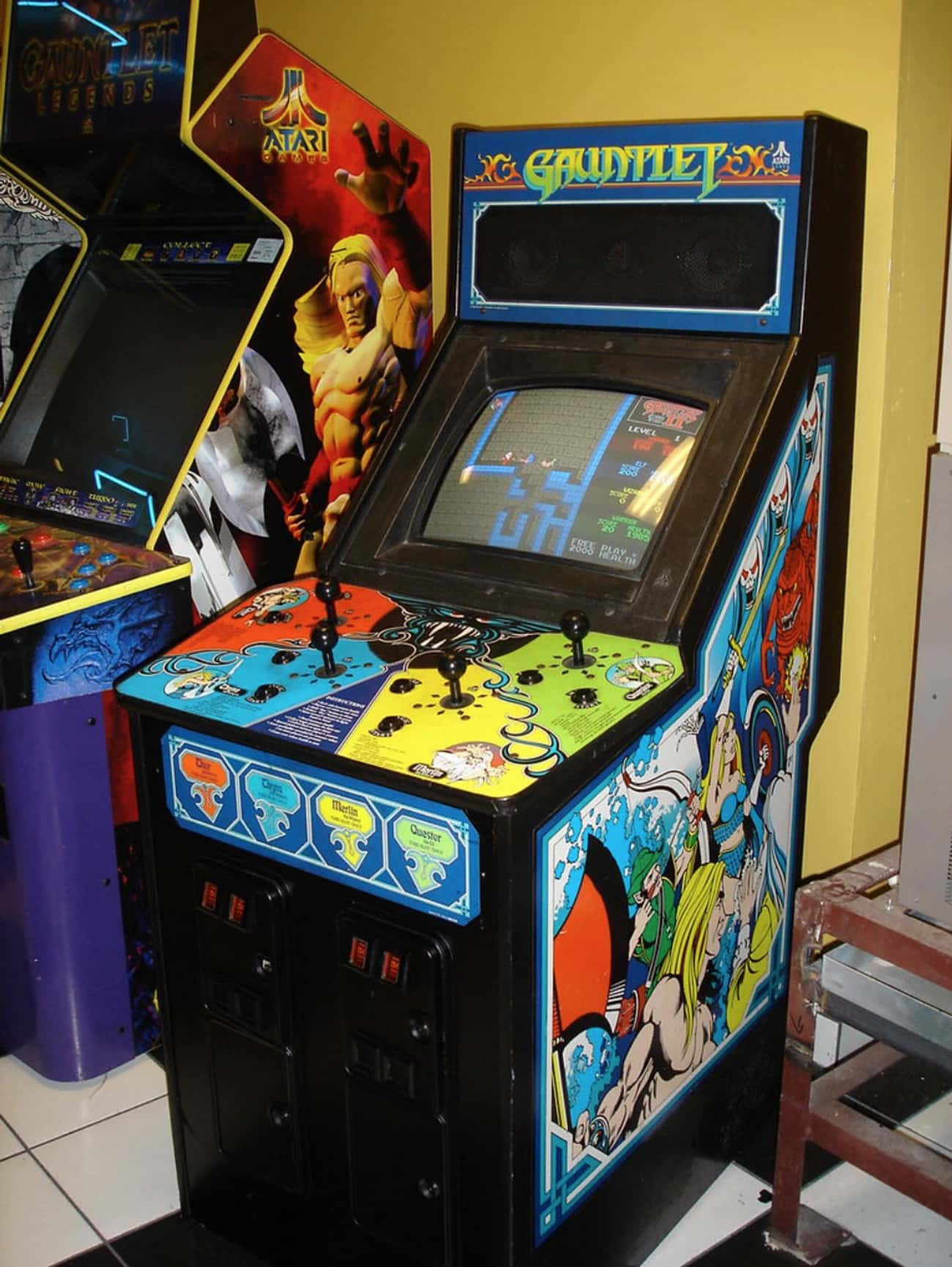 Gauntlet is listed (or ranked) 3 on the list The Coolest Arcade Game Cabinet Art Ever!