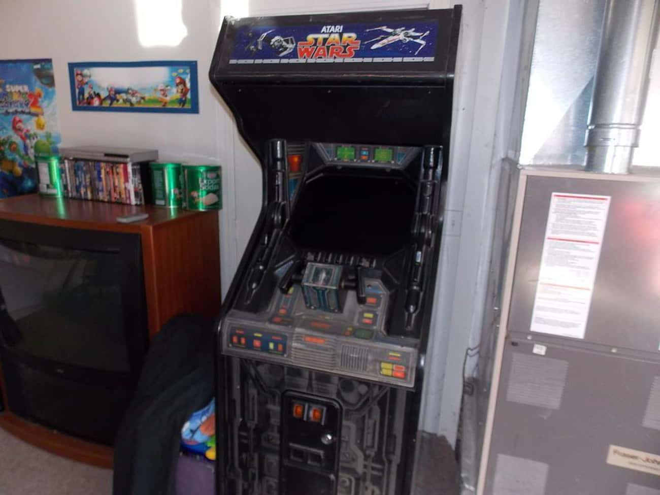 Star Wars is listed (or ranked) 4 on the list The Coolest Arcade Game Cabinet Art Ever!