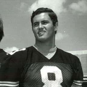 Chuck Hartlieb is listed (or ranked) 7 on the list The Best Iowa Hawkeyes Quarterbacks of All Time