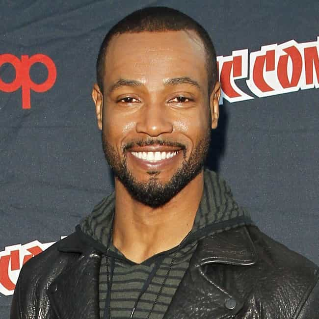 Isaiah Mustafa is listed (or ranked) 2 on the list Neve Campbell Loves and Hookups