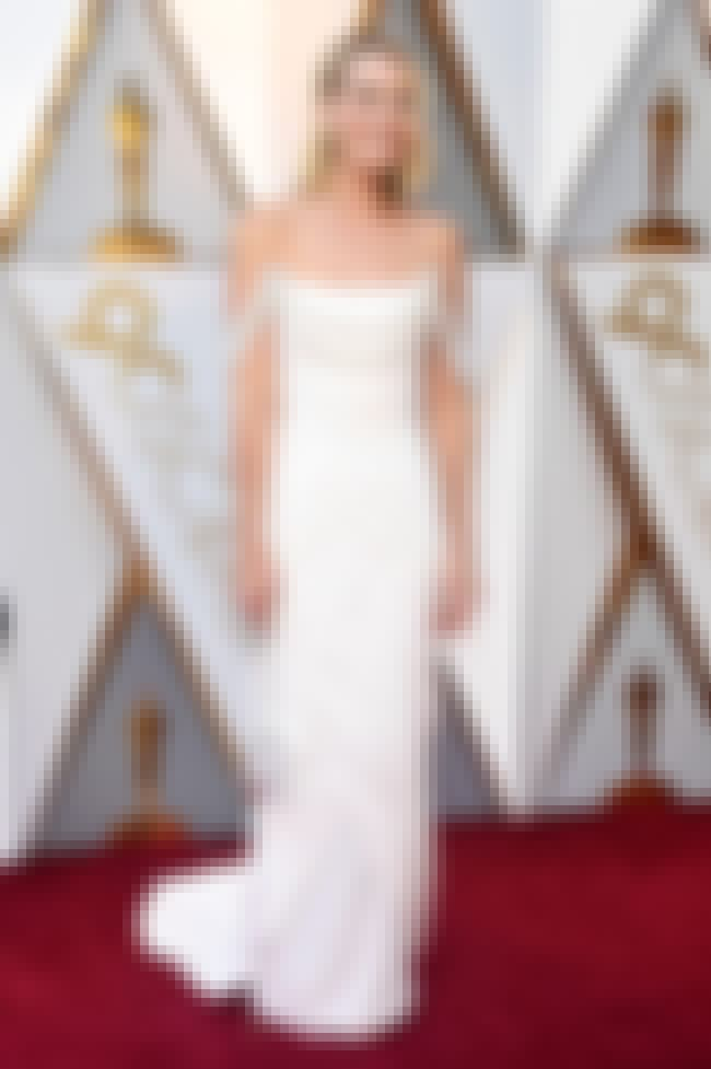 Margot Robbie is listed (or ranked) 2 on the list Best Dressed Celebs At The 2018 Oscars