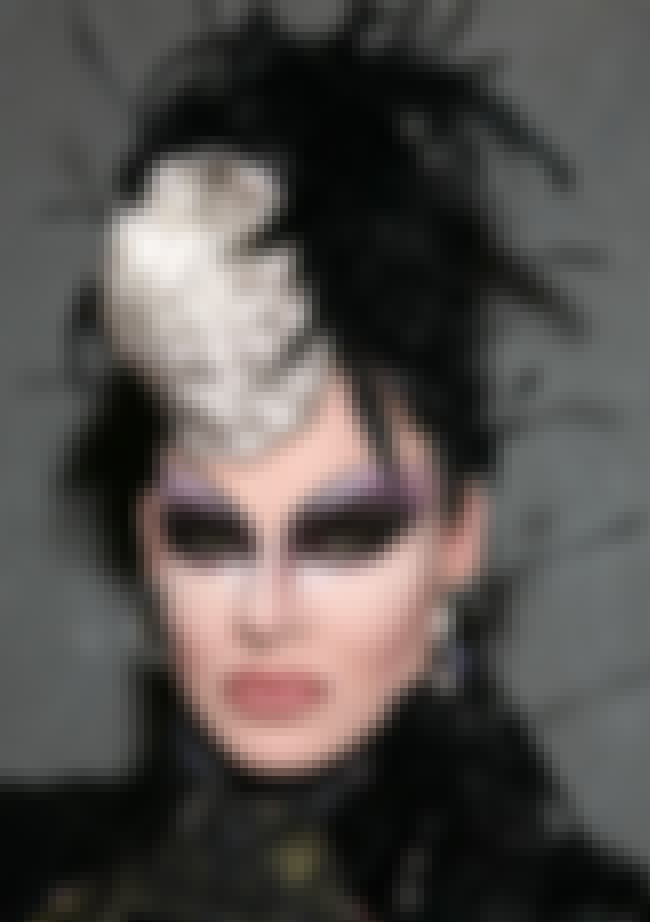 Nina Flowers is listed (or ranked) 1 on the list Famous Female Drag Queens