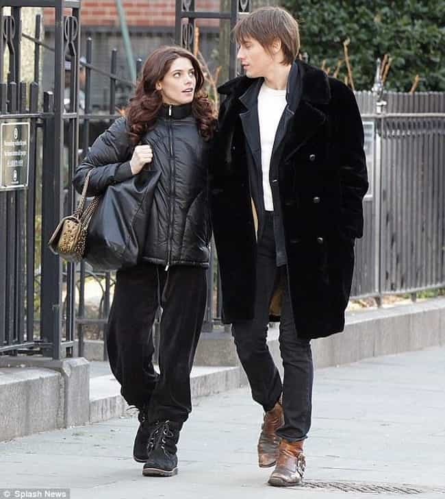 Reeve Carney is listed (or ranked) 3 on the list Ashley Greene's Loves & Hookups