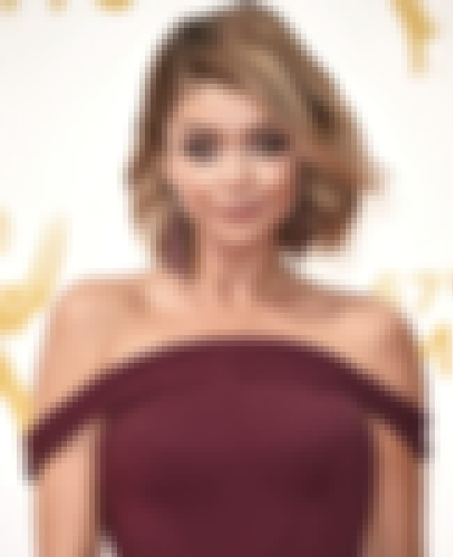 Sarah Hyland is listed (or ranked) 1 on the list The Most Stunning Looks at the 2015 Emmy Awards