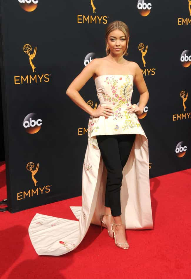 Sarah Hyland is listed (or ranked) 2 on the list The Worst Dressed at the 2016 Emmy Awards