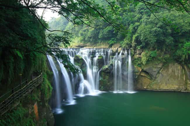 Shifen waterfall is listed (or ranked) 4 on the list The Most Stunningly Gorgeous Places on Earth