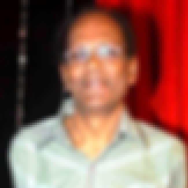 Virendra Saxena is listed (or ranked) 4 on the list Kis Desh Mein Hai Meraa Dil Cast List