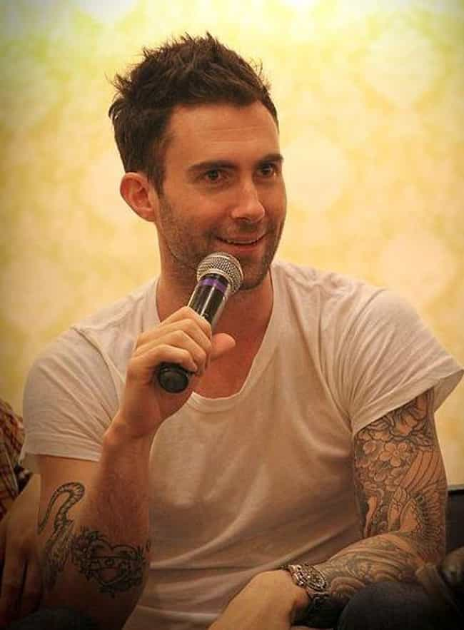 Adam Levine is listed (or ranked) 2 on the list Epic Ways Celebs Have Clapped Back At Invasive Paparazzi Photos