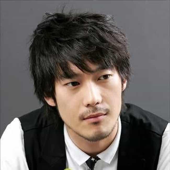 Famous Novelists from South Korea