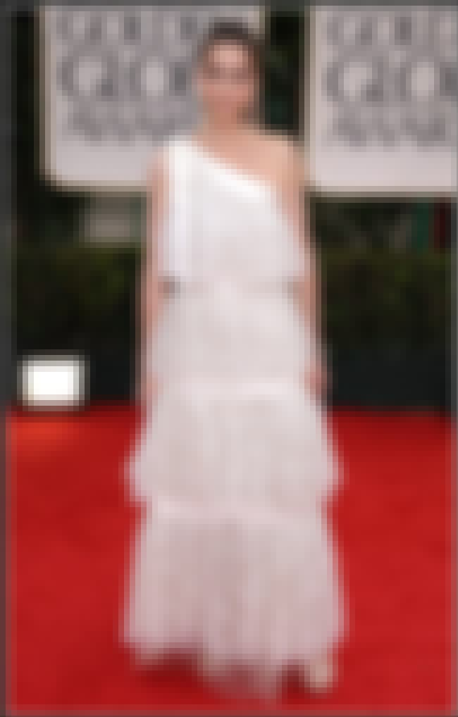 Amanda Peet is listed (or ranked) 1 on the list The Worst Golden Globes 2012 Red Carpet Fashions