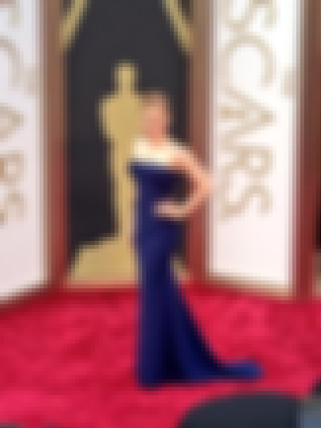 Amy Adams is listed (or ranked) 2 on the list 2014 Oscars Red Carpet Best Dressed