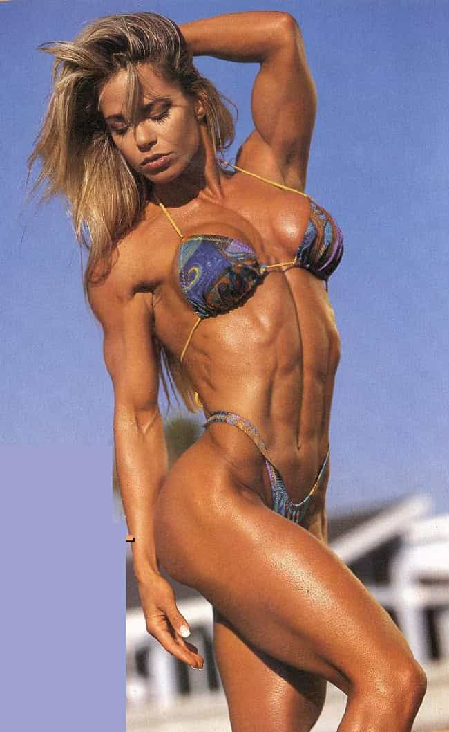 female-bodybuilder-bikini-pictures-haley-wilde-porn-photos
