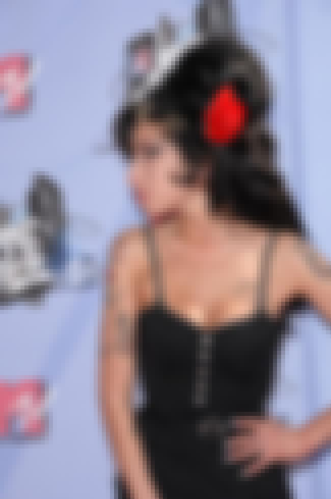 Amy Winehouse is listed (or ranked) 5 on the list Fox News' Celebrity Smokestacks