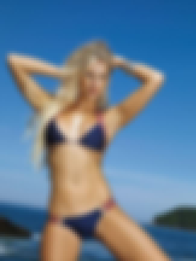 Ana Hickmann is listed (or ranked) 4 on the list Lovely Celebrity Women Who Are Very, Very Tall