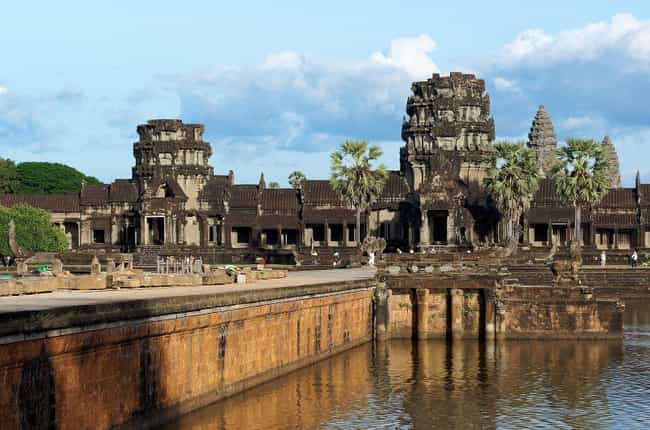 Angkor Wat is listed (or ranked) 3 on the list 16 Underrated Historical Monuments That Should Be Wonders of the Ancient World