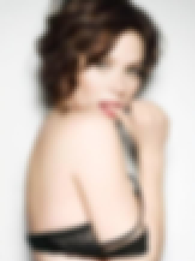 Anna Friel is listed (or ranked) 8 on the list The Top 10 Sexiest Women 2009