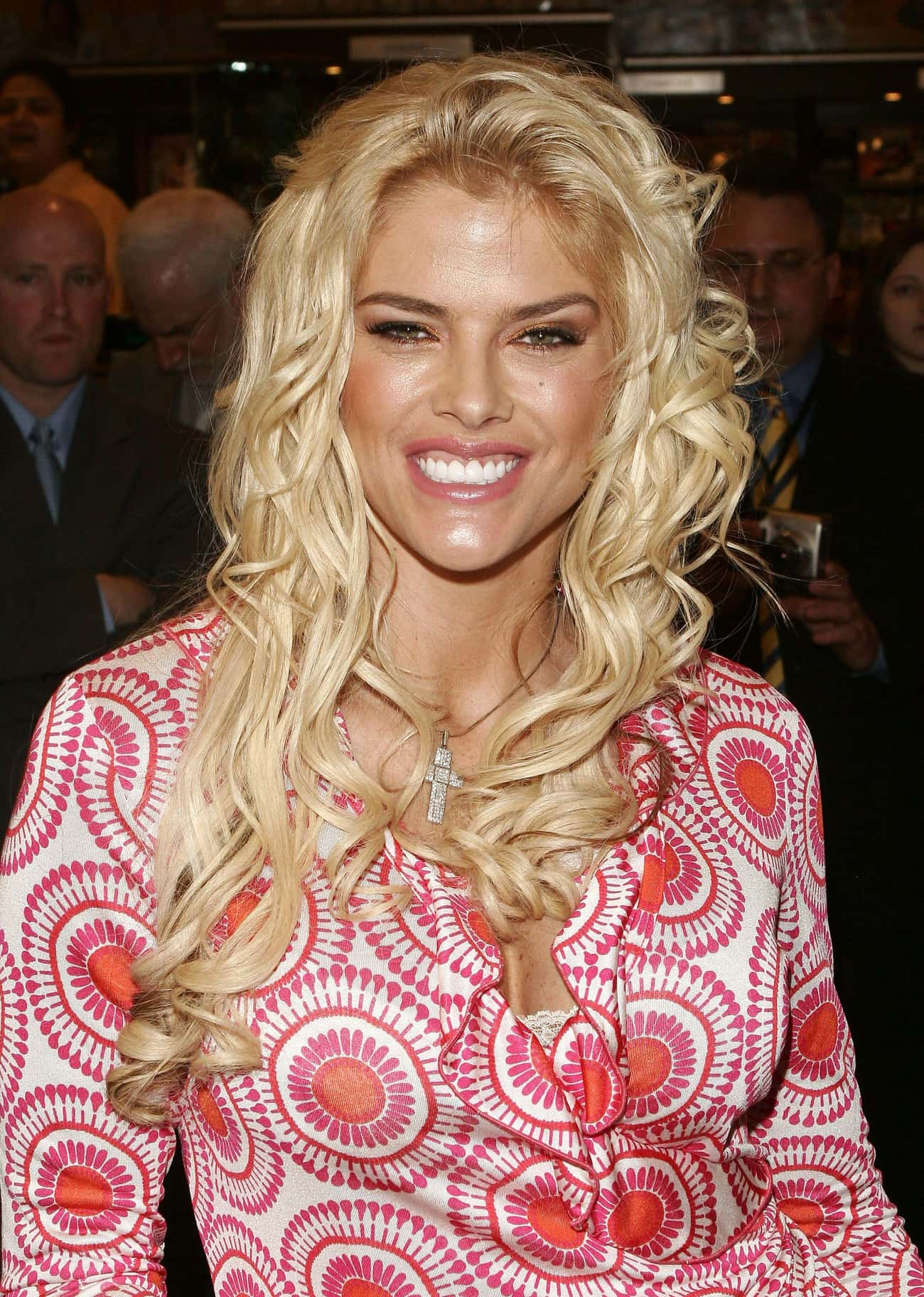 Anna Nicole Smith is listed (or ranked) 2 on the list Famous People Born in 1967