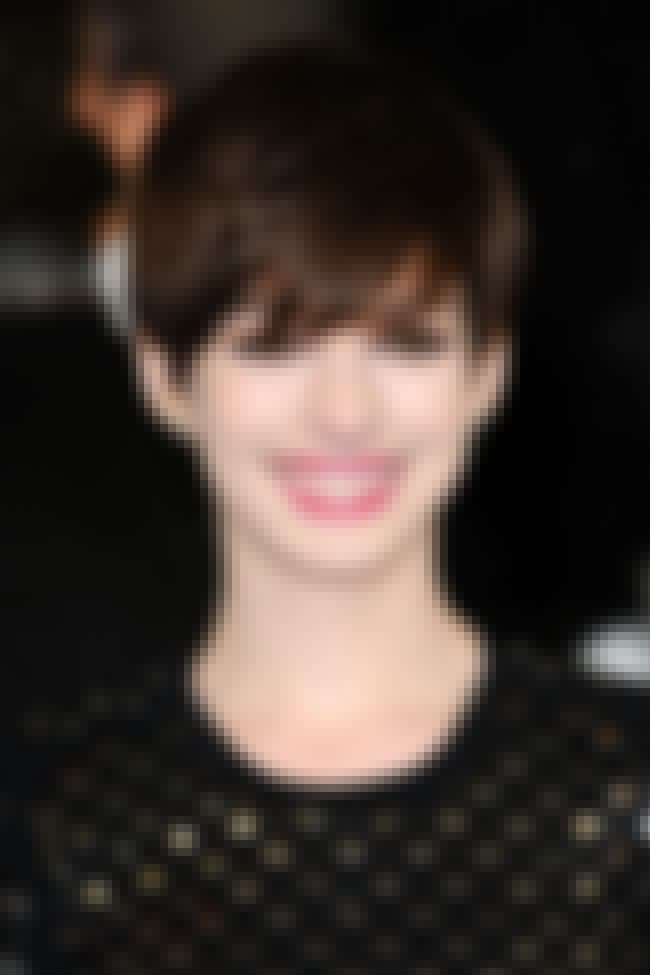 50+ Celebrities Who Ha... Anne Hathaway Obituary