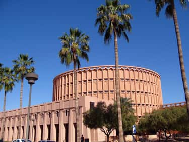 Arizona State University is listed (or ranked) 2 on the list The Largest Campuses in the US