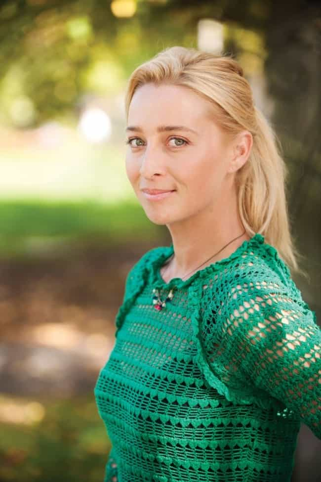 Asher Keddie is listed (or ranked) 1 on the list Offspring Cast List