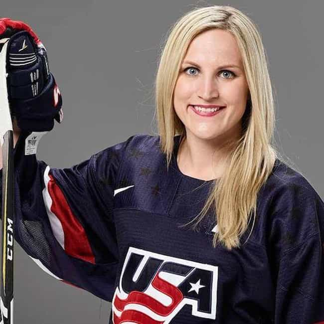 Monique Lamoureux is listed (or ranked) 1 on the list Famous Female Ice Hockey Players