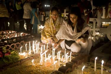Bangladeshi Christians Go to Graveyards and Pray to Deceased Relatives
