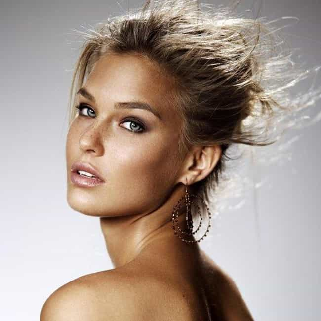 Bar Refaeli is listed (or ranked) 1 on the list List of Famous Jewish Models