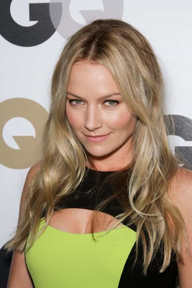 Becki Newton is listed (or ranked) 3 on the list 15 Hottest Women on How I Met Your Mother