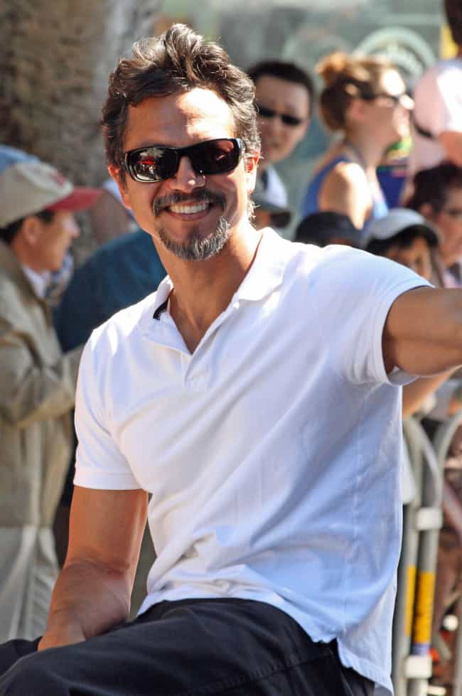 Benjamin Bratt is listed (or ranked) 2 on the list Julia Roberts's Loves & Hookups