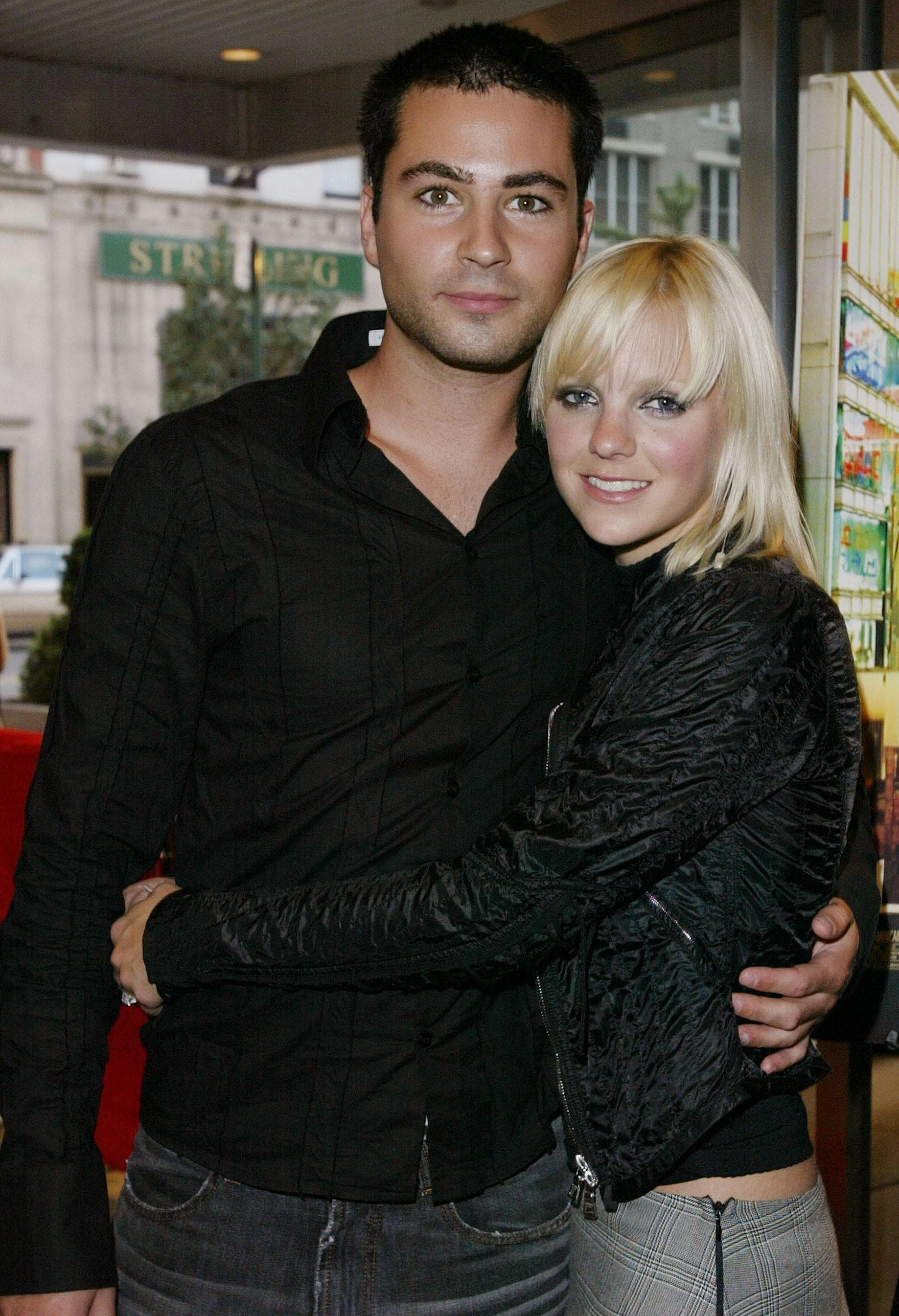 Wie is Anna Faris dating 2012