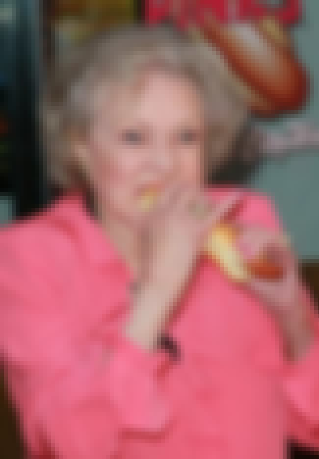 Betty White is listed (or ranked) 1 on the list The Funniest Photos of Celebrities Eating