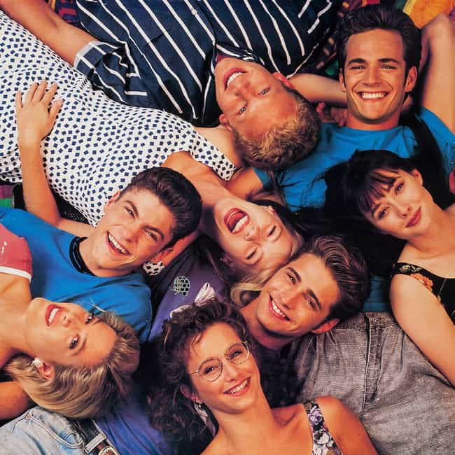 Beverly Hills, 90210 is listed (or ranked) 2 on the list What To Watch If You Love '90210'