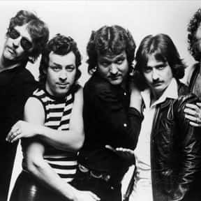Blue Öyster Cult is listed (or ranked) 6 on the list The Best Bands with Colors in Their Names