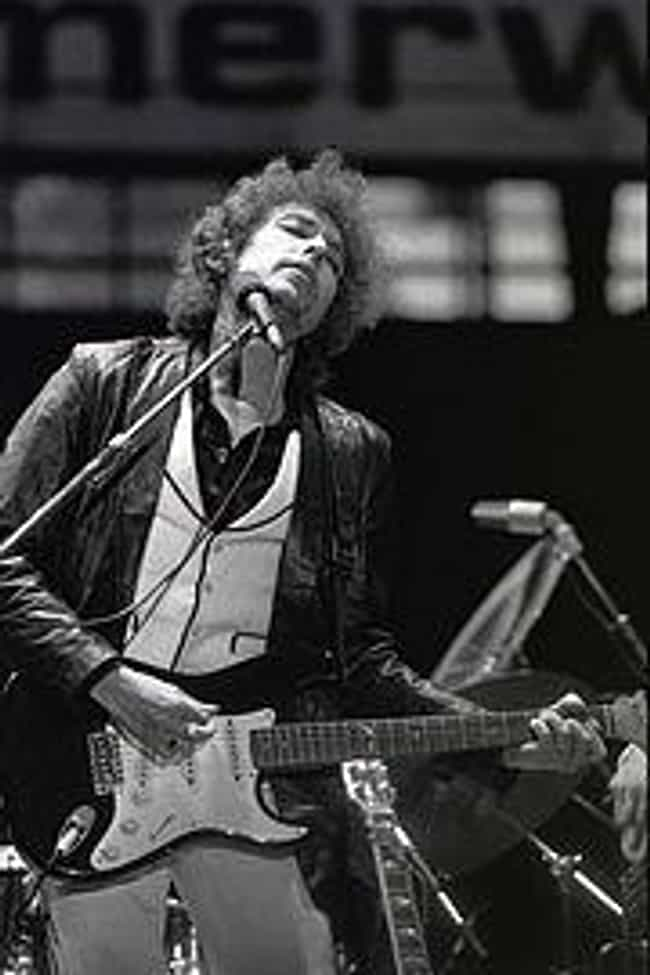 Bob Dylan is listed (or ranked) 2 on the list Famous Guitarists from Minnesota