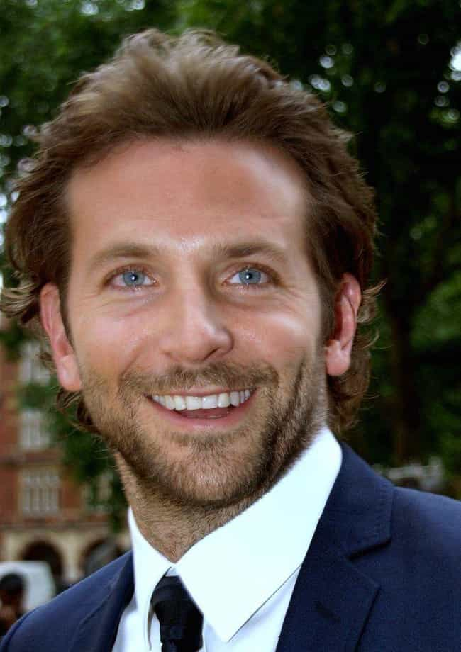 Bradley Cooper is listed (or ranked) 3 on the list The Best Celebrity Smiles (Men)