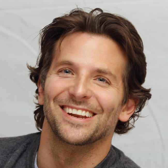 Bradley Cooper is listed (or ranked) 2 on the list The Best Celebrity Smiles (Men)