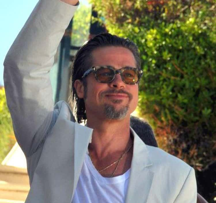 Brad Pitt Allegedly Washes With Wet Wipes