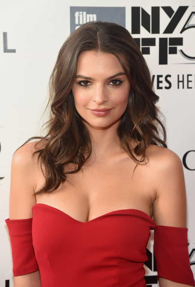 Emily Ratajkowski is listed (or ranked) 4 on the list The Next Generation Of Beauty (Ages 18-30)