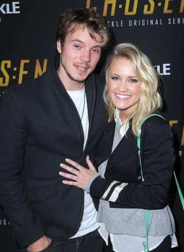 emily osment dating istoric)