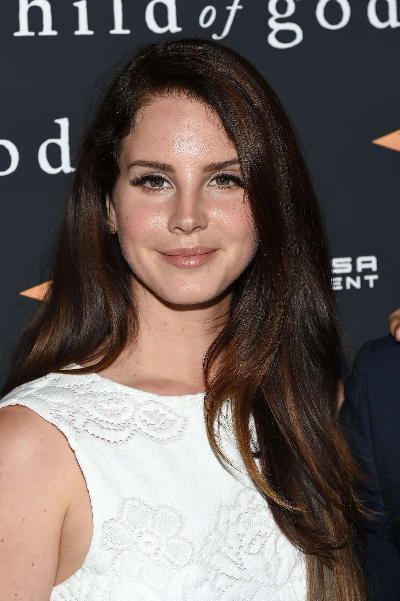 Lana Del Rey is listed (or ranked) 2 on the list 75+ Famous Singers Who Are Cancers