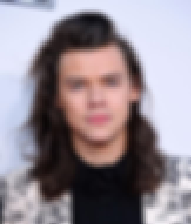 Harry Styles is listed (or ranked) 4 on the list Celebrity Men Who Are Way Younger Than You Think