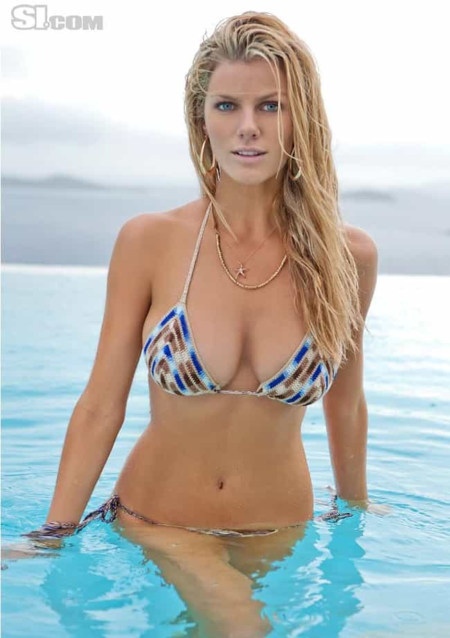 Brooklyn Decker is listed (or ranked) 3 on the list Stunning Famous Babes with Bleach-Blonde Hair