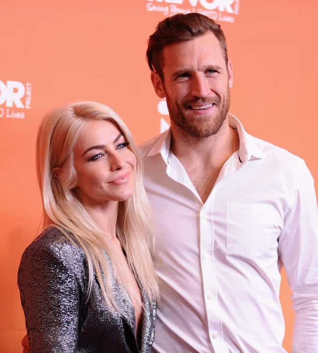 Brooks Laich is listed (or ranked) 1 on the list Julianne Hough Loves and Hookups