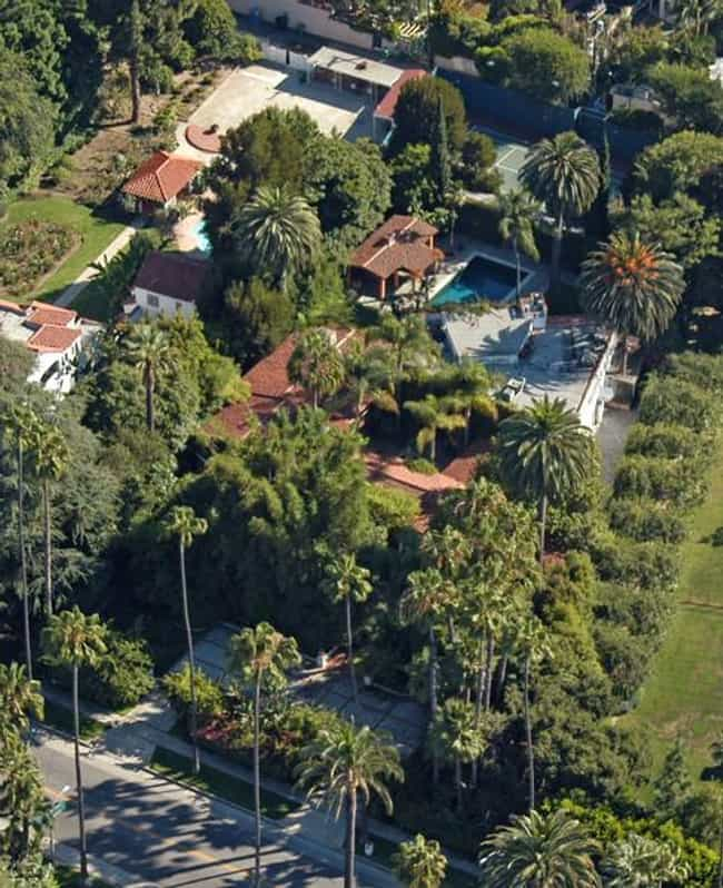 Bruce Willis is listed (or ranked) 3 on the list 41 Drool-Worthy Celebrity Homes