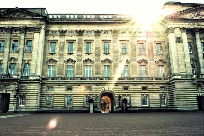Buckingham Palace is listed (or ranked) 4 on the list At Which Royal Residence Would You Throw The Party Of The Century?