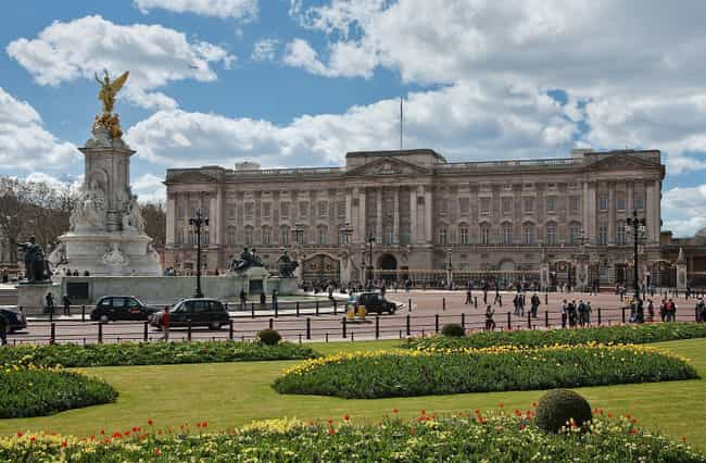 Buckingham Palace is listed (or ranked) 6 on the list Which Royal Residence Would Be The Best Vacation Destination?