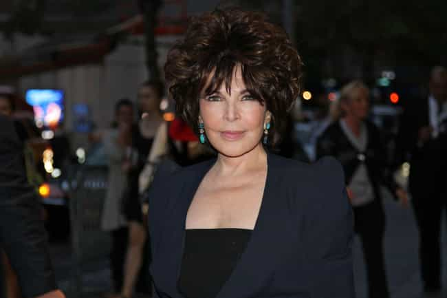 Carole Bayer Sager is listed (or ranked) 1 on the list Famous Friends of Dustin Hoffman